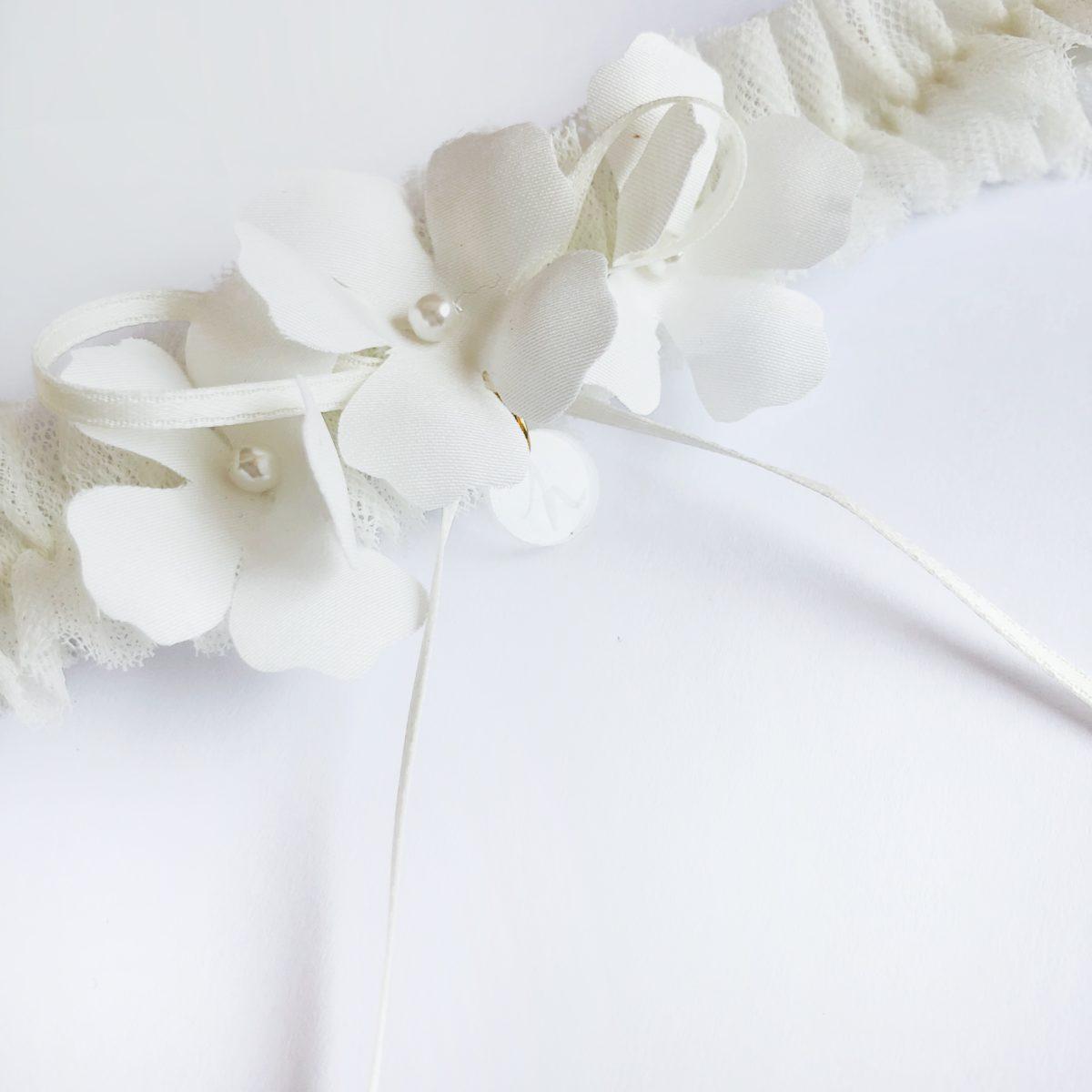 Unique Wedding Garter: Flora Bridal Garder